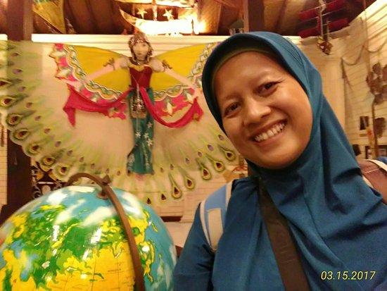 Kite Museum of Indonesia : Museum Layang-layang Indonesia