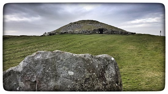 Oldcastle, Irlandia: Loughcrew Megalithic Cairn T