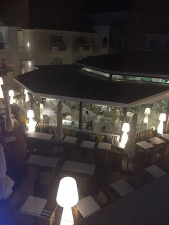 The King Jason Paphos: View of restaurant from our room