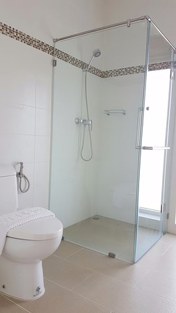 Pak Nam Pran, Thailand: All rooms shower