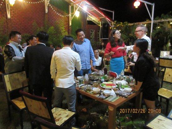 Pleiku, Vietnam: Party tối