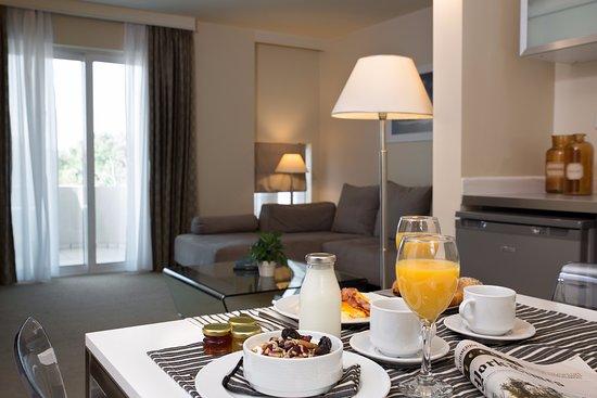 The Blazer Suites Hotel: Large Suite Living Room