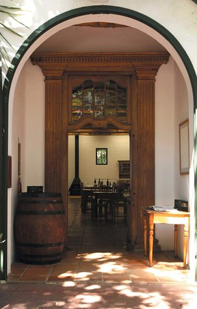 Paarl, Afrika Selatan: Tasting facility entrance door