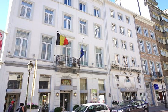 Hotel Leopold Brussels: Front of hotel