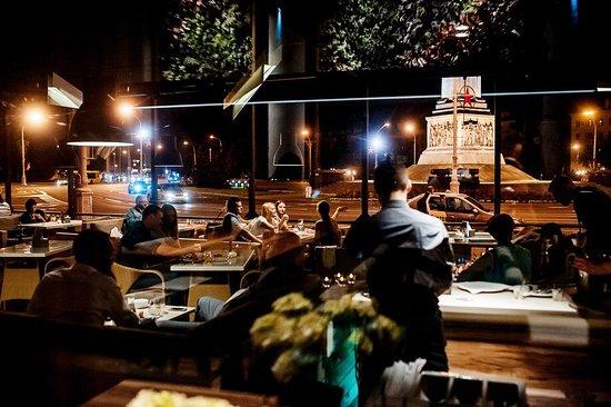 Шикарный вид на Площадь Победы