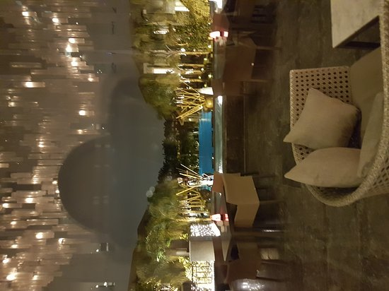 Dusit Thani LakeView Cairo: 20161218_181635_large.jpg