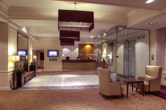 Hilton Edinburgh Grosvenor: Reception Lobby