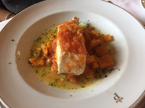 Restaurante Parador Nacional Castillo de Siguenza: merluza con verduritas