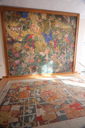 Arentshuis : A paintings and a carpet