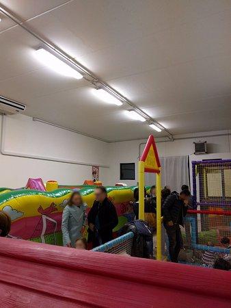 San Lorenzo di Trevi, Italy: Giochi gonfiabili per bambini