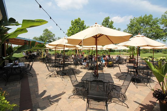 Glen Ellyn, IL: Best outdoor patio in Dupage County by far!
