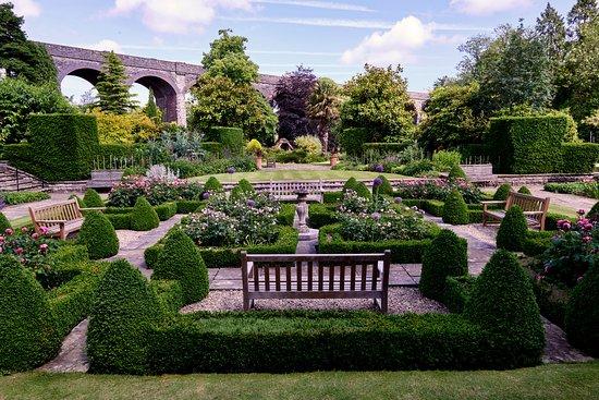 Kilver Court Gardens
