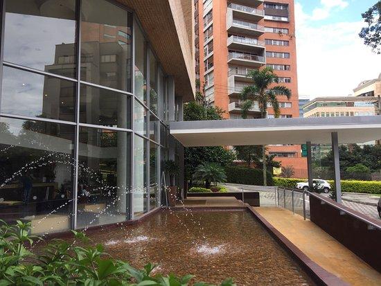 Hotel Estelar Blue : Cálido, cómodo acogerdor. Personal muy amable y muy bien ubicado