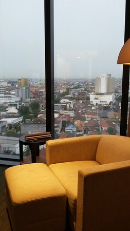 Po Hotels Semarang: Nice couch
