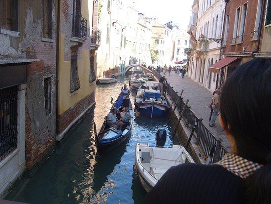 GoOpti - Venice: side street venice