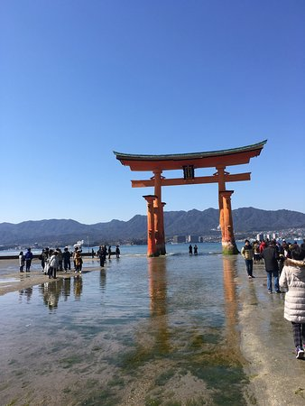 ‪Itsukushima Shrine‬