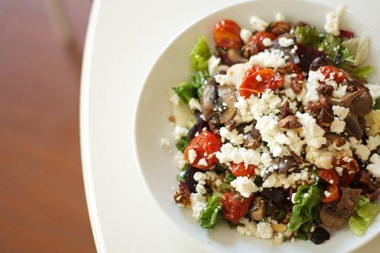 Dundas, Kanada: Feature Salad