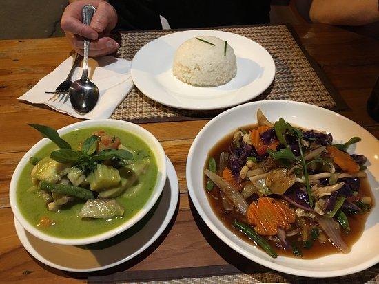 Rosella Fusion Restaurant: photo0.jpg
