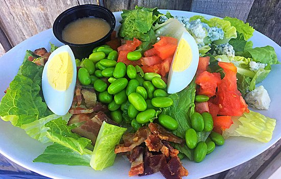 Nellysford, Wirginia: Wild Wolf Salad with Blonde Hunny dressing