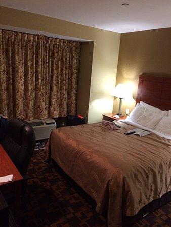 Mount Juliet, Теннесси: Very small room.