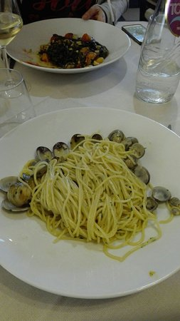 Pizzeria Mum and Dad : tagliolini con vongole veraci