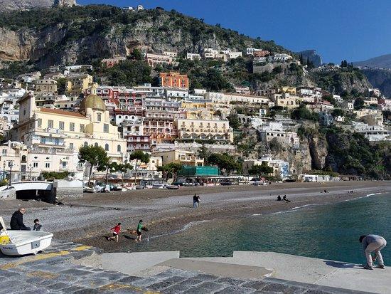Joe Banana Limos : Positano, Italy (City built on a mountain)
