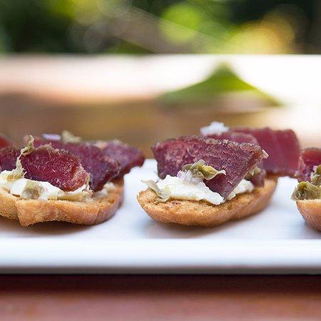 Mal Pais, Costa Rica: Smoked tuna crostini, mmmmm :)