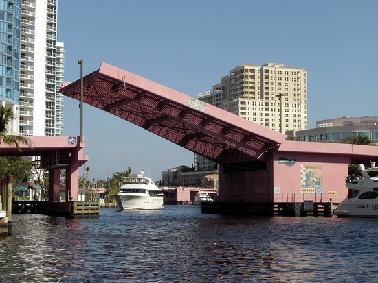 Intracoastal Waterway: Fort Lauderdale waterway © Robert Bovington
