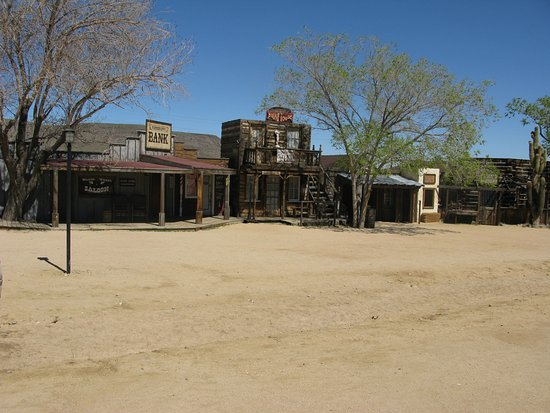 Pioneertown, Kaliforniya: Part of 'Mane Street'