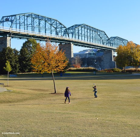 Coolidge Park: Enjoying the open space