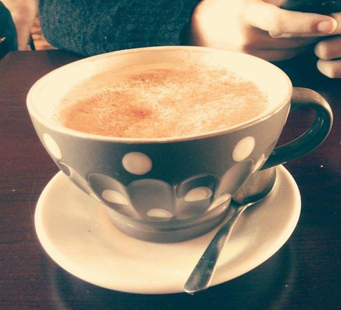 Cowansville, Canada: Bon latté à l'érable!!