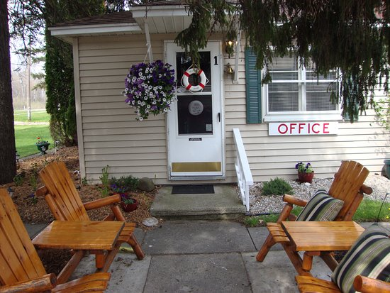 Tawas City, MI: Welcome Home !!  Your Beach Cabin is ready @ Young's Getaway Beachfront Resort, 989-362-2366