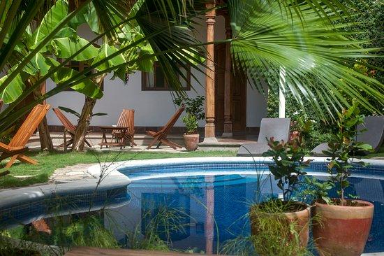 Hotel patio del malinche granada nicaragua opiniones for Piscina 402 granada precios