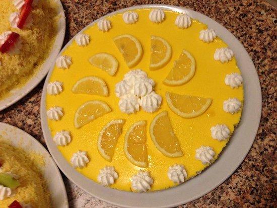 Santa Maria di Sala, Italy: cheesecake al limone produzione propria