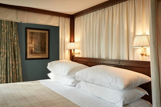 The Peacock at Rowsley: Special four poster room