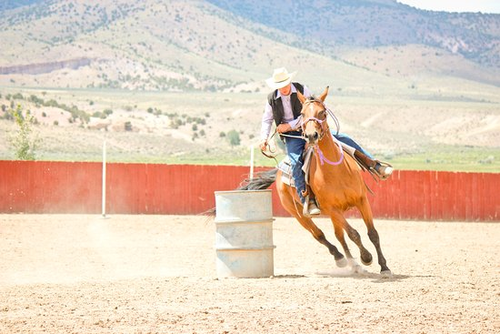 Antimony, UT: Arena Riding
