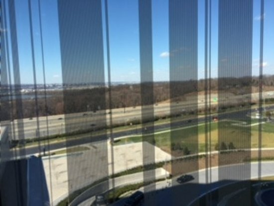 Oxon Hill, Maryland: View of highway, but you can see the Washington Monument