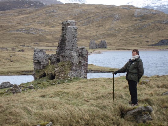 Assynt, UK: WALK TO THE CASTLE