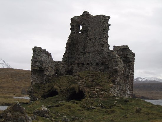 Assynt, UK: CASTLE CLOSE UP