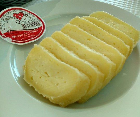 Moita, Portugal: Antes do repasto, queijo da península de Setúbal