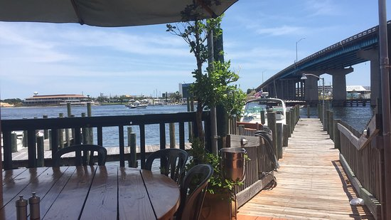 Bay Cafe: The view