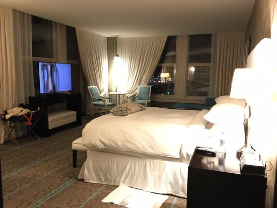 The Nines, a Luxury Collection Hotel, Portland: Corner Suite - lower floor
