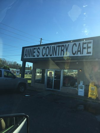 Anne's Country Cafe: outside view of cafe