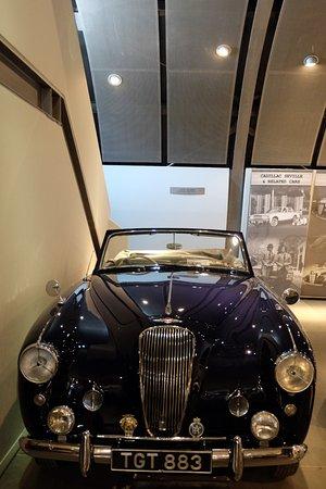 ΕΛΛΗΝΙΚΟ ΜΟΥΣΕΙΟ ΑΥΤΟΚΙΝΗΤΟΥ: Velvet car!