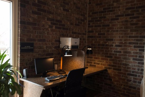 Clarksville, AR: Business Center