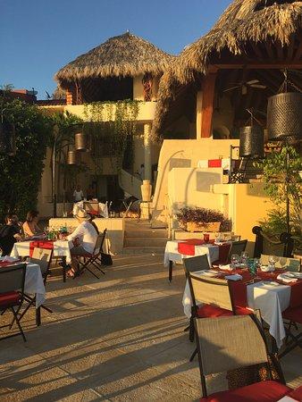 Espuma Mediterráneo: Wonderful dinner and location is perfection!