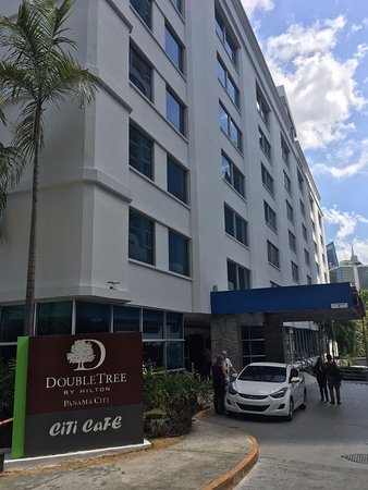 DoubleTree By Hilton Panama City: At the entrance.