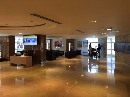 DoubleTree By Hilton Panama City: The lobby.
