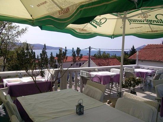 Jasenice, Croacia: terasa
