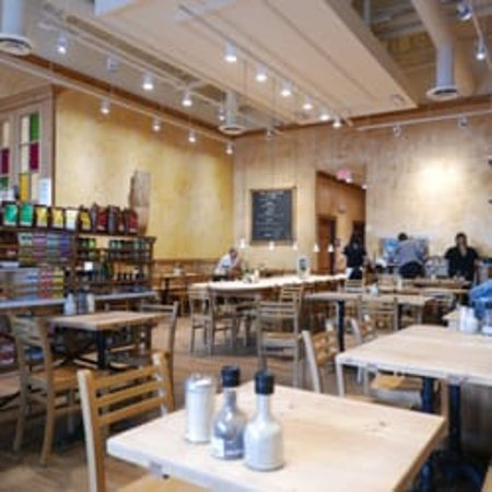 Le Pain Quotidien: Inside View
